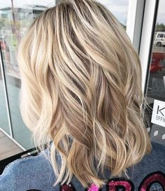 70 Perfect Medium Length Hairstyles for Thin Hair, Frisuren, Wavy Medium Hairstyle. Hairstyles Haircuts, Braided Hairstyles, Cool Hairstyles, Wedding Hairstyles, Medium Length Wavy Hairstyles, Layered Hairstyles, Homecoming Hairstyles, Short Haircuts, Black Hairstyles