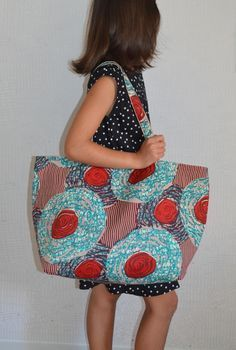 ideas basket bag decor for 2019 African Accessories, Sewing Accessories, Patchwork Jeans, Girl Dress Patterns, Skirt Patterns, Blouse Patterns, Diy Tote Bag, Latest African Fashion Dresses, Couture Sewing