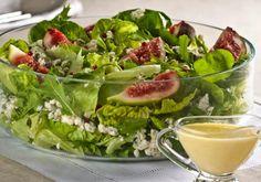 """A combinação na salada pode ser de<a href=""""http://mdemulher.abril.com.br/culinaria/receitas/receita-de-salada-folhas-verdes-figo-queijo-615319.shtml""""> folhas verdes, figo e queijo</a>, que tal?"""