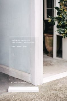 A clean visual identity for antiques and interior design practice, Maison Artefact. Polytechnic worked across art direction, creative strategy and design to develop an elegant identity and design language. Retail Signage, Wayfinding Signage, Signage Design, Web Banner Design, Display Design, Store Design, Store Front Design, Design Design, Standing Signage