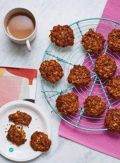 Apple Pie Cookies - Pinch Of Nom Apple Pie Cookie Recipe, Apple Pie Cookies, Cookie Pie, Nutritious Snacks, Easy Snacks, Healthy Sweets, Slimming Recipes, Slimming Eats, Pinch Of Nom