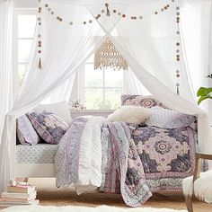 The country way of life is extremely relaxing. As well as it would certainly profit you to have a rustic bedroom design. That being stated, right here are Rustic Bedroom Ideas. Daybed Room, Daybed Canopy, Upholstered Daybed, Bed Nook, Ikea Canopy, Casa Hipster, Bedroom Furniture, Bedroom Decor, Bedroom Ideas