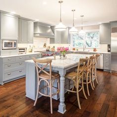 #OnlyArtisan #LetInspirationBloom #home #kitchen #realestate #interiordesign #art #dreamhome #ArtisanHomeTour #RevolutionDesignBuild #Gray #beautiful