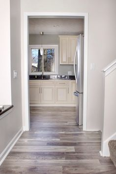 Grey walls | laminate flooring