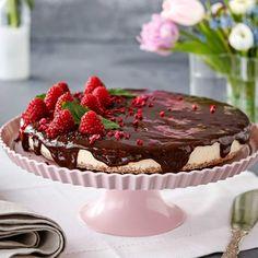 En läcker cheesecake med saltlakrits och syrlig citron i underbar kombination.