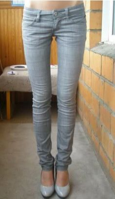 I need a pair of grey skinny jeans