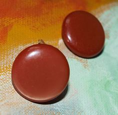 Vintage Signed Lisner Dark Red Brown Button by stylesofyesterday, $15.20