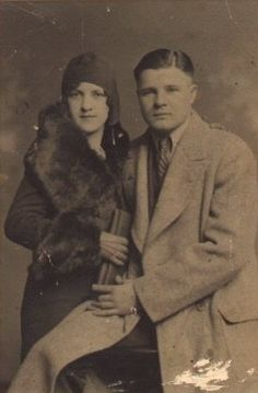 "Charles ""Pretty Boy"" Floyd and his wife Ruby.  http://www.angelfire.com/folk/longtimecoming/prettyboy/"
