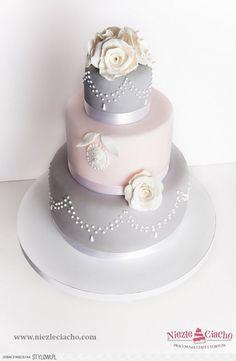 srebrny tort weselny, szary tort weseln, kwiatowy tort…