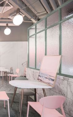 Complete the classic theme in your space with this marble tile wallpaper, a sleek design full of interesting detail. Cafe Interior Design, Interior Concept, Cafe Design, Tile Wallpaper, Textured Wallpaper, Small Restaurant Design, Pastel Interior, Design Exterior, Coffee Shop Design
