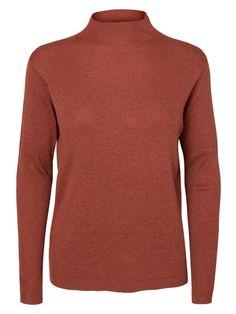 Keep warn in this VERO MODA knit jumper.