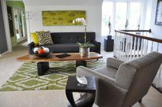 green rug, grey sofa,