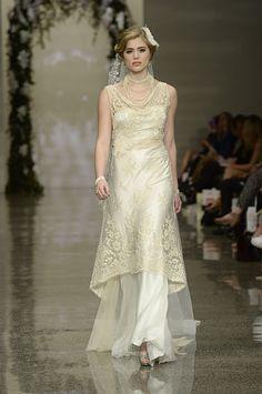 Golden lace over silk satin dress. Silk Satin Dress, Satin Dresses, 30s Fashion, Essentials, Wedding Dresses, Lace, Collection, Style, 1930s Fashion