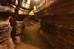 Bonnechere Caves - 400 km, 4,5 hours