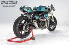 Harley-Davidson Sportster 883 cafe racer di Matt Black Custom Designs