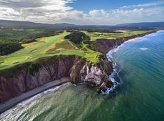 Golf Clubs Best Golf Courses In Canada - Golfing Addiction - Golf in Canada is big and continuously growing. There is a total of golf facilities with more than registered golfers in the country. Canada truly offers a variety of serious a… Ottawa, Golf Fotografie, Golf Photography, Road Trip Destinations, Best Golf Courses, Cape Breton, Golf Tips, East Coast, England