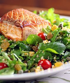 There's a Newf in My Soup!: Salad Days of Summer: Salmon, Arugula and Couscous Salad Couscous Salad, Salmon Salad, Salmon Recipes, Fish Recipes, Healthy Recipes, Seafood Dishes, Fish And Seafood, Clean Eating, Kitchens