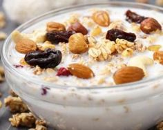 Is your teen always in a hurry & does not eat breakfast? Here are 25 easy and healthy breakfast for teens, check our recipes ideas to get your teenager eat! Healthy Diet Recipes, Healthy Breakfast Recipes, Healthy Snacks, Yogurt Benefits, Recipe For Teens, Bowl Cake, Breakfast Dessert, Breakfast Ideas, Ayurveda