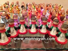 Beautiful quilled dolls by Mannayah