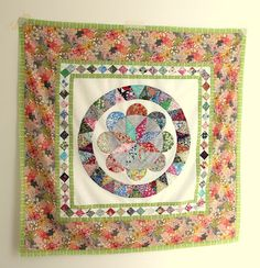 Cabbage Quilts: Judy Newman Museum Medallion Quilt Pattern