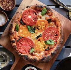 Heirloom tomatoes on a whole wheat crust. Do you finish your margherita with salt? If you don't... I'd suggest you try it! Spice Rack Organization, Chinese Spices, Spice Drawer, Cracked Black Pepper, Heirloom Tomatoes, Pepperoni, Vegetable Pizza, Meal Prep, Kitchen Decor