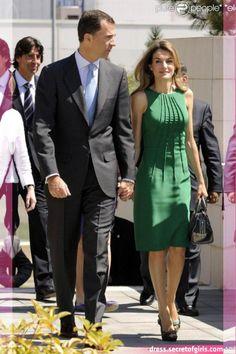 Felipe and Letizia Simple Dresses, Elegant Dresses, Casual Dresses, Fashion Dresses, Dresses For Work, Mode Masculine, Western Dresses, Fashion Sewing, Linen Dresses