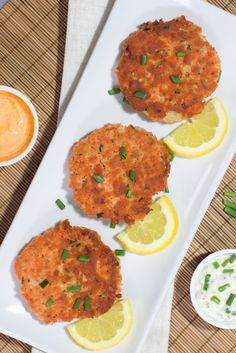 Gluten Free Salmon Cakes - perfect balance of crispy on the outside, moist on the inside, healthy ingredients, and wonderfully flavorful. 100% #glutenfree and #paleo!