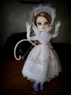 """Katüsha"": an Ooak MH doll (dress by Haunted Dollhouse)"