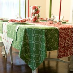 Holiday Tablescape by Hen House | Hen House Linens