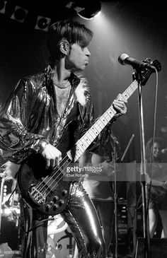 Prince performing at Irving Plaza in New York City on April 10, 1998