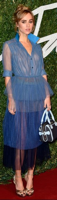 The Best Dressed At The 2014 British Fashion Awards - Suki Waterhouse Fashion Fail, Fashion 2020, High Fashion, Fashion Trends, Fashion Images, Women's Fashion, Celebrity Dresses, Celebrity Style, Sheer Dress