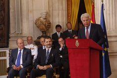 Su Majestad el Rey Don Felipe y Su Majestad el Rey Don Juan Carlos durante la intervención del ex presidente del Gobierno, Felipe González Palacio Real de Madrid, 24.06.2015
