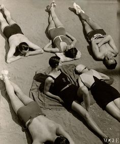 Accessories Spotting: The History of Bathing Suits