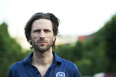 Lindstrøm http://www.riotise.com/scandinavia-5-electronic-artists/