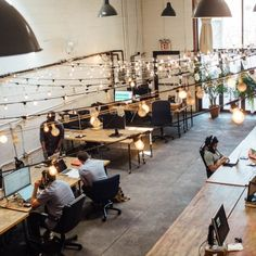 Co-working space design trends to look out for in 2020 Coworking Space, Bureau Open Space, Flex Office, 90 Day Plan, Office Pictures, Shared Office, Co Working, Design Web, Design Ideas
