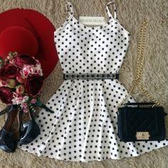 Vestido Alcinha   Neoprene C/ BOJO Decote nas costas( Estampa  Poa Bege c/ bolas pretas)
