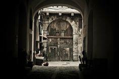 Ewa Morawska #Palermo #street #door #courtyard