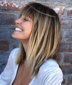 New hair cuts popular haircuts trending hairstyles 68 ideas Choppy Haircuts, Haircuts For Long Hair, Bob Hairstyles, Straight Hairstyles, Haircut Short, Thick Hair Hairstyles Medium, Haircut Medium, Fringe Hairstyles, Trending Hairstyles