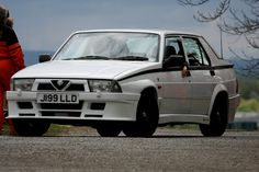 Alfa_75_Brooklands_May_2010_IMG_8988.jpg 3,142×2,094 pixels