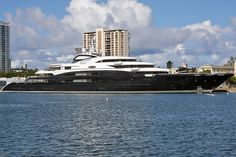 Serene Yacht at Isla Grande Port | Seatech Marine Products / Daily Watermakers