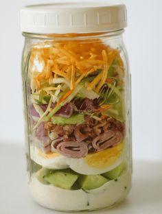 jar keto food ideas I jar lunch to go I jar cobb salad I make ahead meal Mason Jar Meals, Meals In A Jar, Mason Jars, Chicken Salad Recipes, Healthy Salad Recipes, Salad Chicken, Healthy Foods, Healthy Prepared Meals, Nutritious Meals
