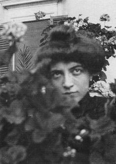 Marchesa Luisa Casati Stampa di Soncino ( Milano 23 Gennaio 1881 . Londra 1 giugno 1957 ).