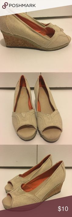 Any 2 ✅for $15 Like New Beige Platform Peep-toe Excellent condition. No tears, stains or marks. Combine with any item with a ✅ for a $15 bundle or add three more items for 30% Off Bundles. Sonoma Shoes Platforms