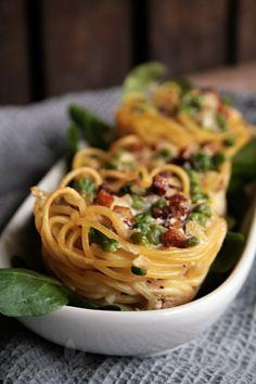 Leckere Spaghetti-Nester à la Carbonara