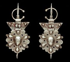 Morocco   Fibula; silver   African Museum (Belgium) Collection; acquired 1994 African Jewelry, Tribal Jewelry, Indian Jewelry, Beaded Jewelry, Handmade Jewelry, Moroccan Jewelry, Moroccan Art, African Museum, Antique Jewelry