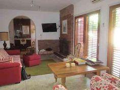 32 10y11, interna, 4dormitorios,2 baños,quincho, jardin, 200mts cub, lote 8.66 x 28, apto banco en La Plata, vista previa