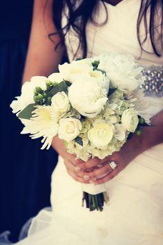 Gorgeous bouquet! // Photo by Randi. #minneapolisweddingflorists #weddingflowers
