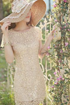 Elegante escote redondo calado floral bordado de perlas de imitación adornado vestido de manga corta de las mujeres de seda para Vender - La...