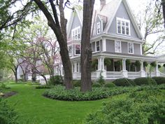 Supporting farmhouse porch design our website Building A Porch, House With Porch, Houses With Front Porches, Victorian Homes, Victorian Porch, Victorian Buildings, Vintage Homes, My Dream Home, Dream Homes