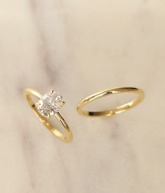 VOW: Vrai & Oro Wedding –Modern Oval Engagement Ring, available in 18k Yellow Gold, Rose Gold & White Gold.